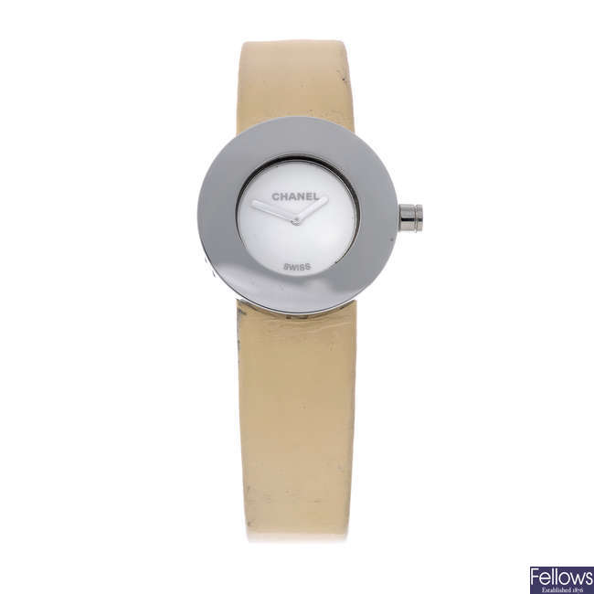 CHANEL - a lady's stainless steel La Ronde wrist watch.
