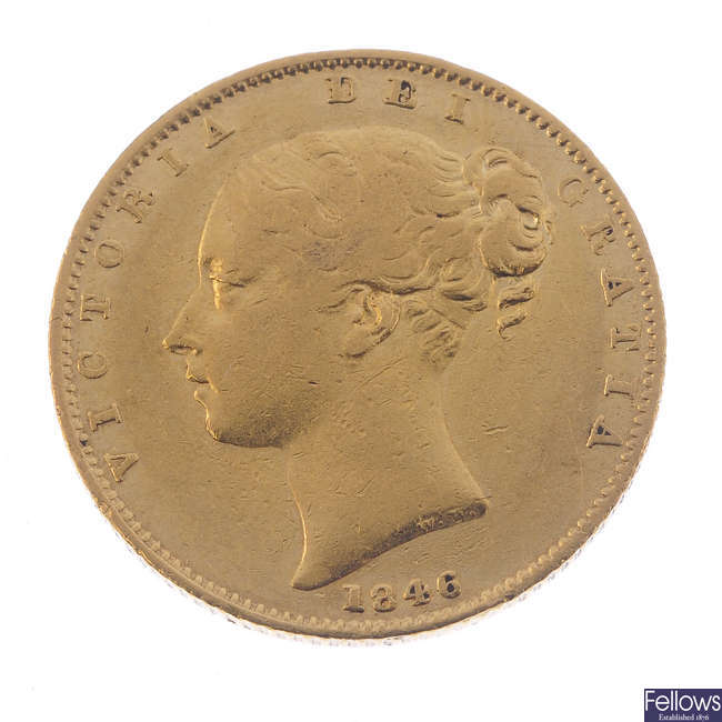 Victoria, Sovereign 1846, young head, rev. shield (S 3852).