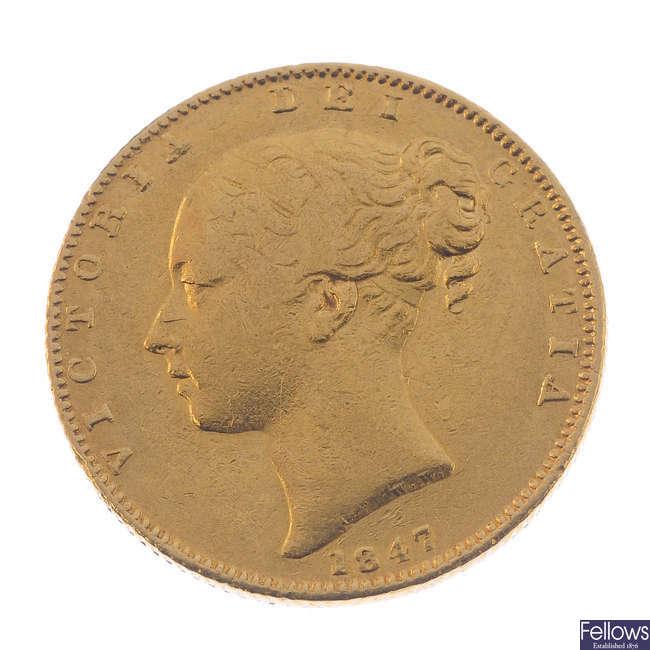 Victoria, Sovereign 1847, young head, rev. shield (S 3852).