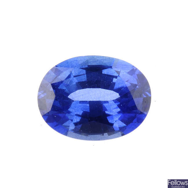 An oval-shape sapphire, weighing 1.25cts.