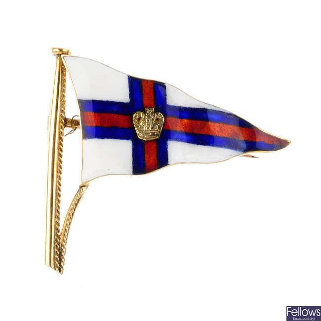 A 9ct gold Royal Yacht Club enamel flag brooch.