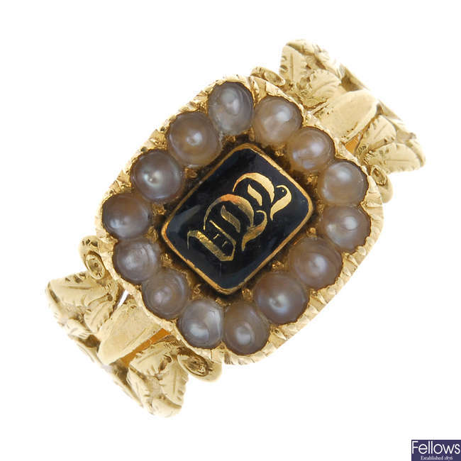A late Georgian 18ct gold enamel and split pearl cluster mourning ring.