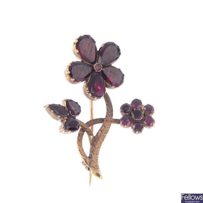 A late Georgian foil-back garnet floral spray brooch.