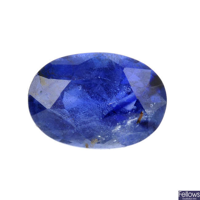 An oval-shape sapphire, weighing 1.87cts.