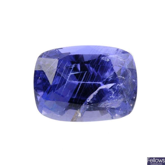 An rectangular-shape sapphire, weighing 3.29cts.