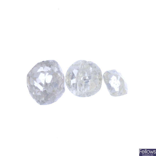Three circular-shape diamonds, total weight 0.85ct.