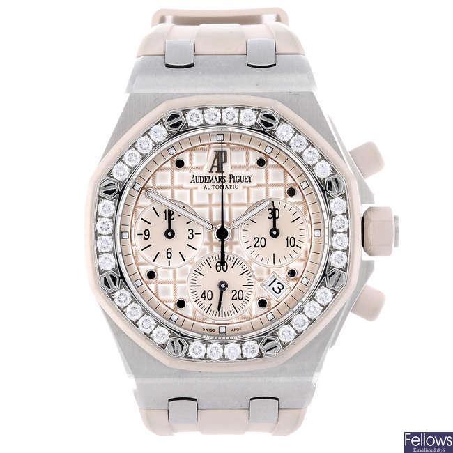AUDEMARS PIGUET - a lady's stainless steel Royal Oak Offshore chronograph wrist watch.