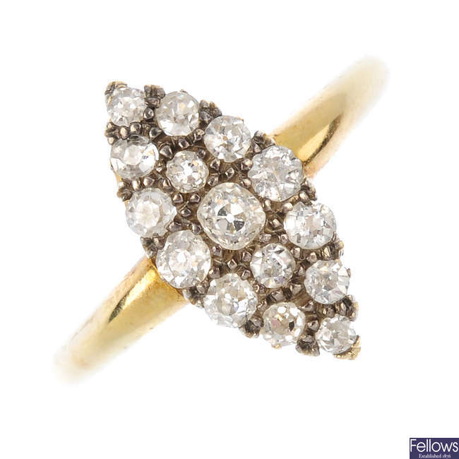 A late Victorian 18ct gold diamond dress ring.