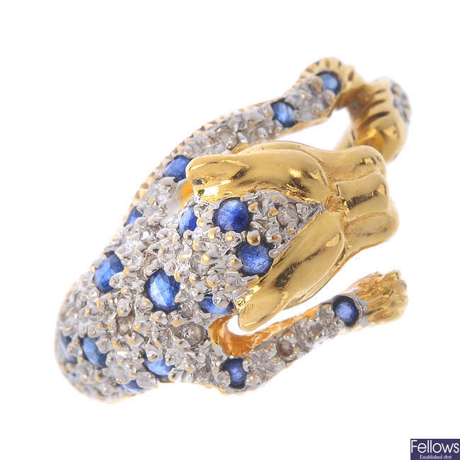 An 18ct gold sapphire and diamond leopard ring.
