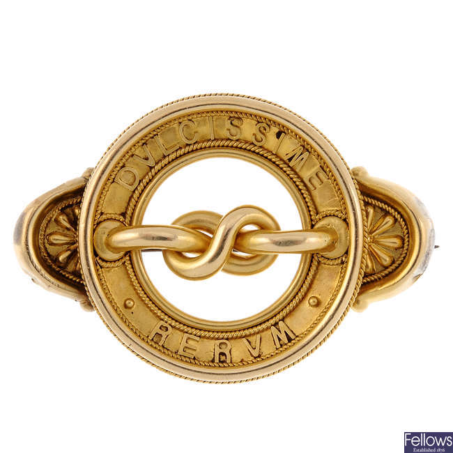 A late 19th century gold brooch.