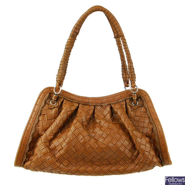 BOTTEGA VENETA - a tan Intrecciato leather handbag.