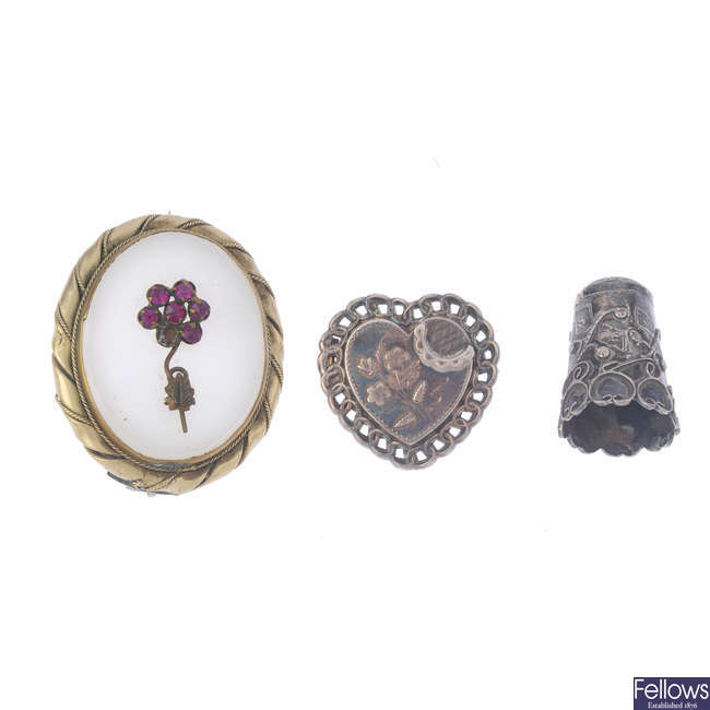 A selection of mainly Victorian silver and white metal jewellery.