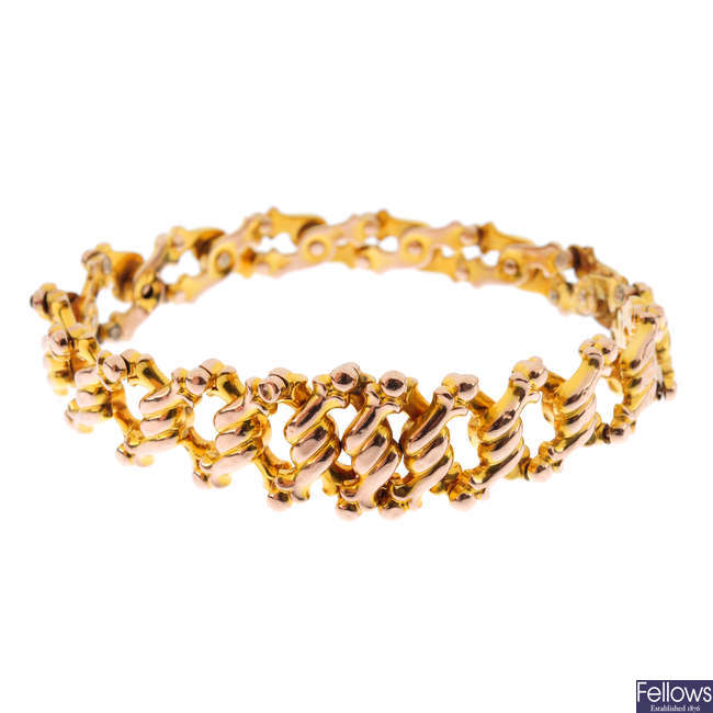 A late Victorian 9ct gold expandable bracelet.