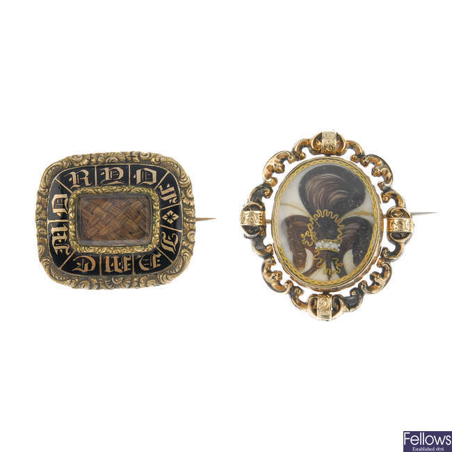 Two late Victorian memorial brooches.
