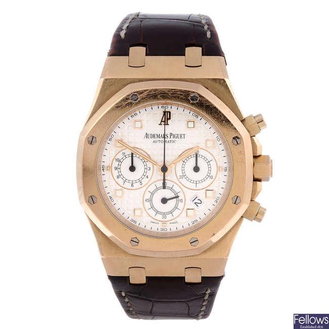 AUDEMARS PIGUET – a gentleman's 18ct rose gold Royal Oak chronograph wrist watch.