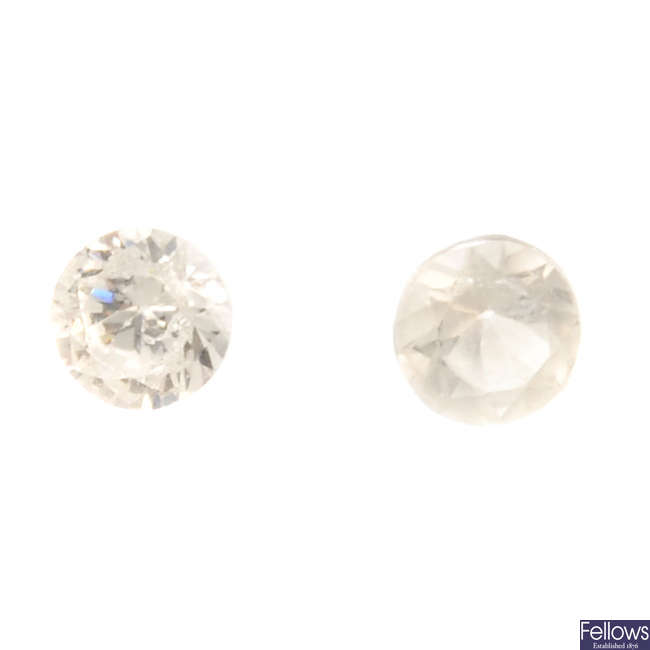 A selection of circular-shape diamonds, total weight 1.69cts.