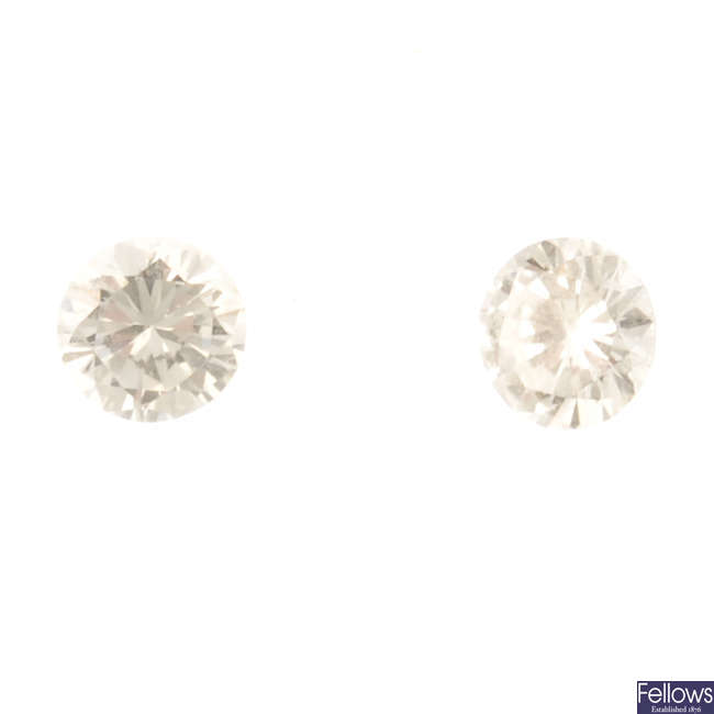 A selection of brilliant-cut diamonds, total weight 1.05cts.