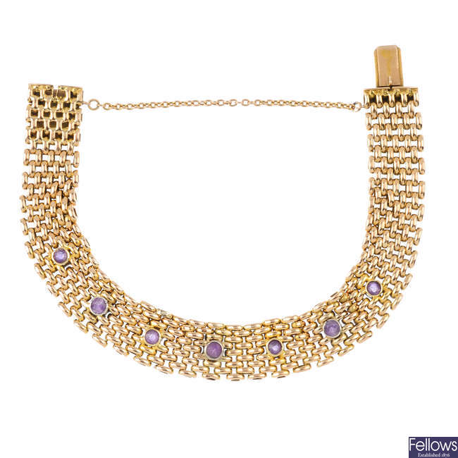 An early 20th century 15ct gold amethyst bracelet.