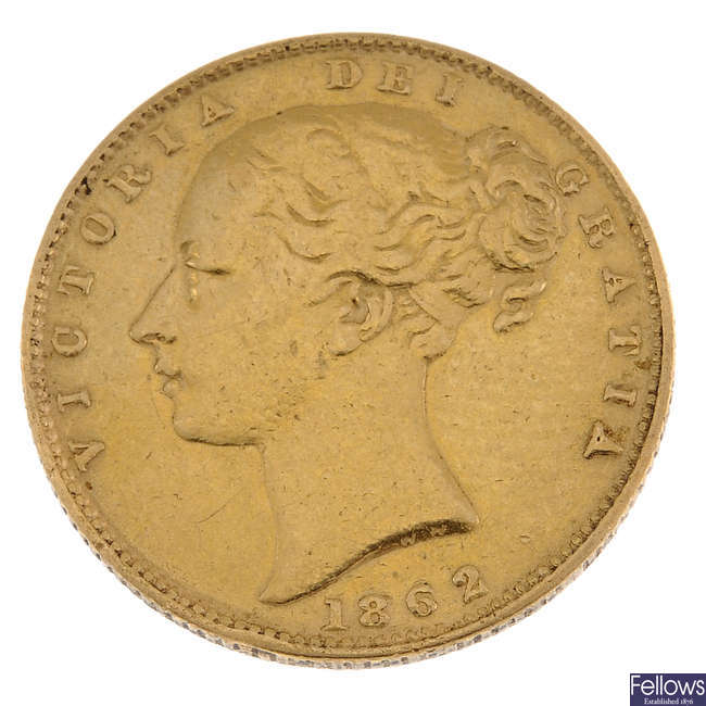 Victoria, Sovereign 1862, young head, rev. shield.