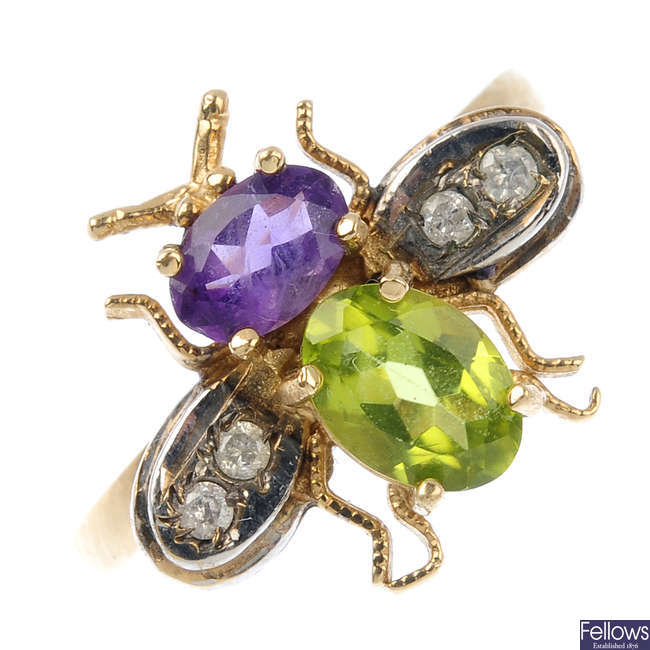 A 9ct gold gem-set fly ring.
