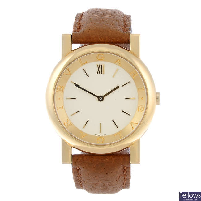 BULGARI - a lady's 18ct yellow gold Bulgari wrist watch.