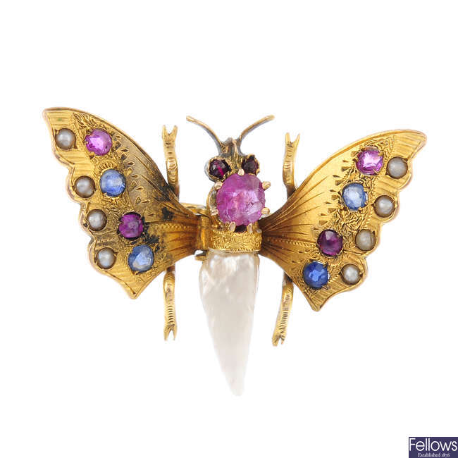 An early 20th century 9ct gold gem-set butterfly clip.