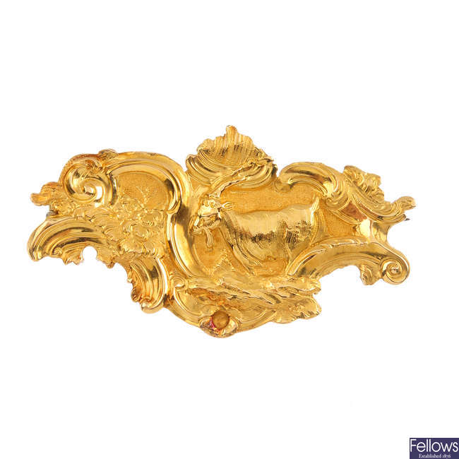 An early 20th century gold brooch.