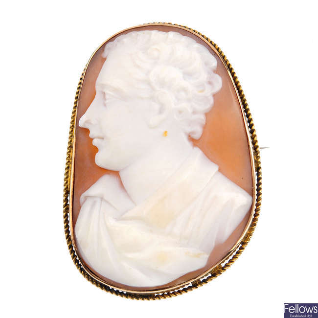 A late Victorian gold shell cameo brooch, depicting Lord Byron.