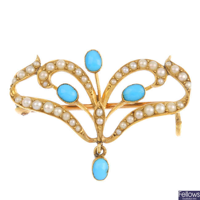 An Edwardian 15ct gold turquoise and split pearl brooch.