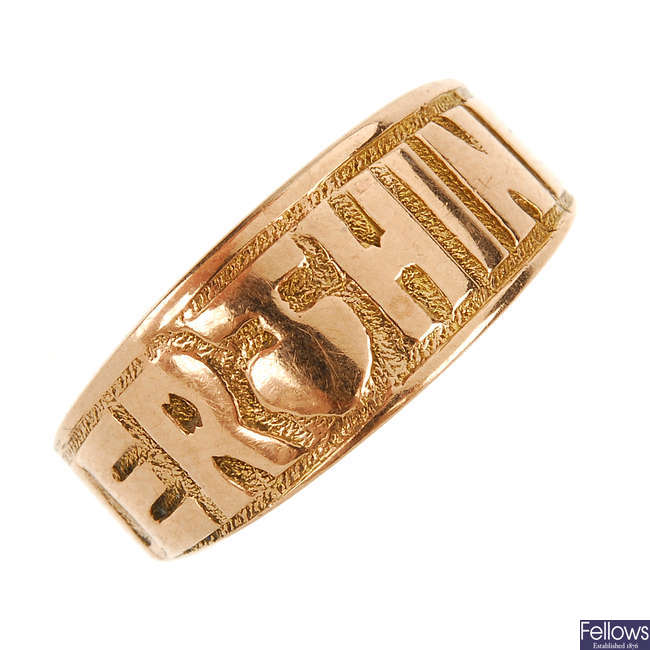 A late Victorian 9ct gold 'Everthine' ring.