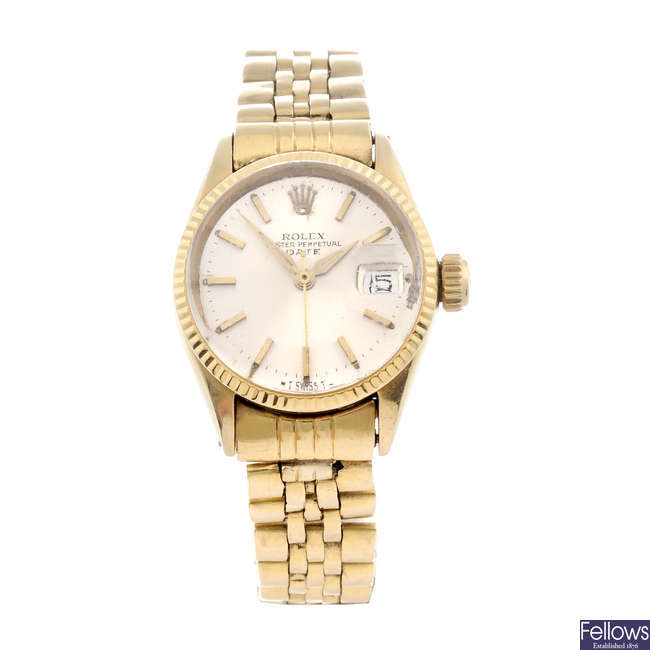 ROLEX - a lady's 18ct yellow gold Oyster Perpetual Date bracelet watch.