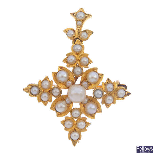 An early 20th century 18ct gold seed pearl pendant.