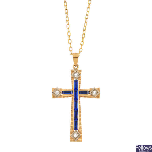 A paste cross pendant, with chain.