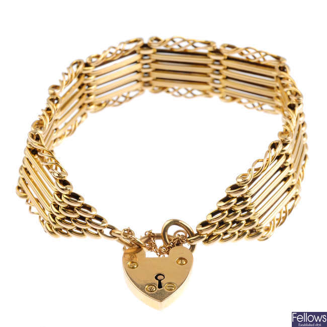 An early 20th century 15ct gold gate bracelet.