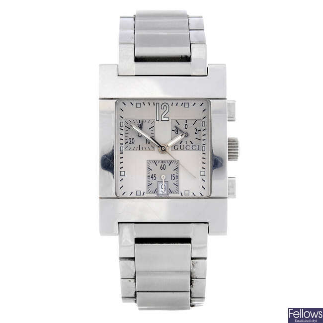 GUCCI - a gentleman's stainless steel 7700 chronograph bracelet watch.
