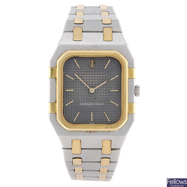 AUDEMARS PIGUET - a gentleman's bi-metal Royal Oak bracelet watch.