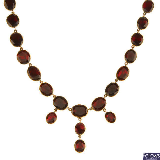 A late Georgian gold and garnet necklace.