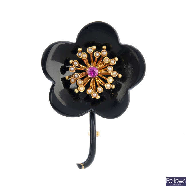 An early 20th century gem-set floral brooch.