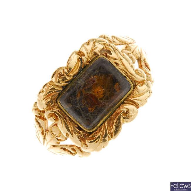 A late Georgian 18ct gold memorial ring.