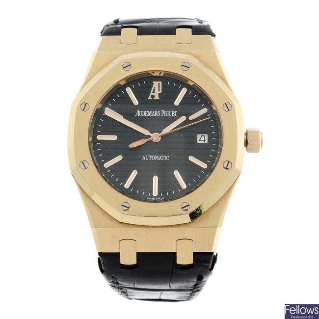 AUDEMARS PIGUET - a gentleman's 18ct yellow gold Royal Oak wrist watch.