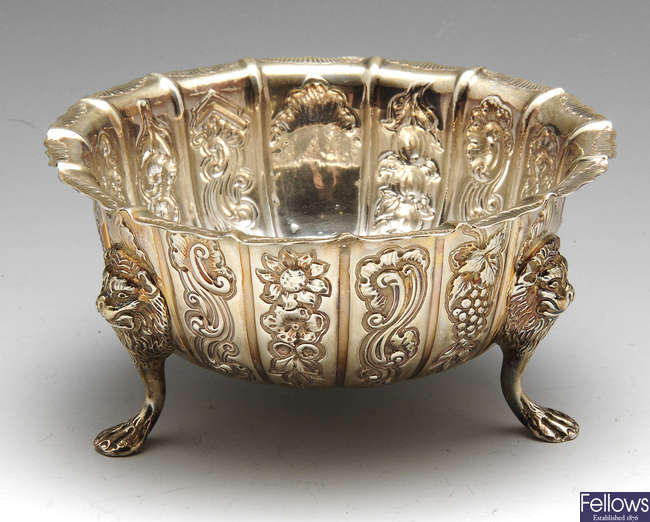 An early 20th century Irish silver sugar bowl.