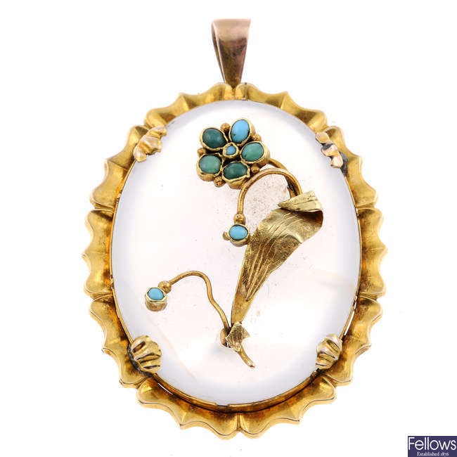 A late Victorian gold chalcedony pendant.