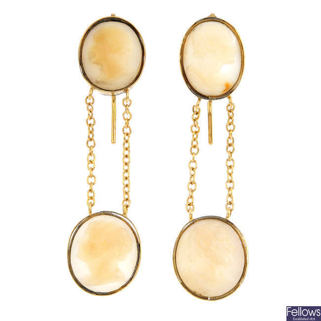 A pair of late Georgian shell cameo earrings.