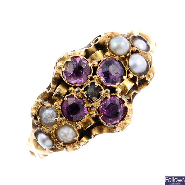 A mid Victorian 18ct gold garnet and split pearl ring.