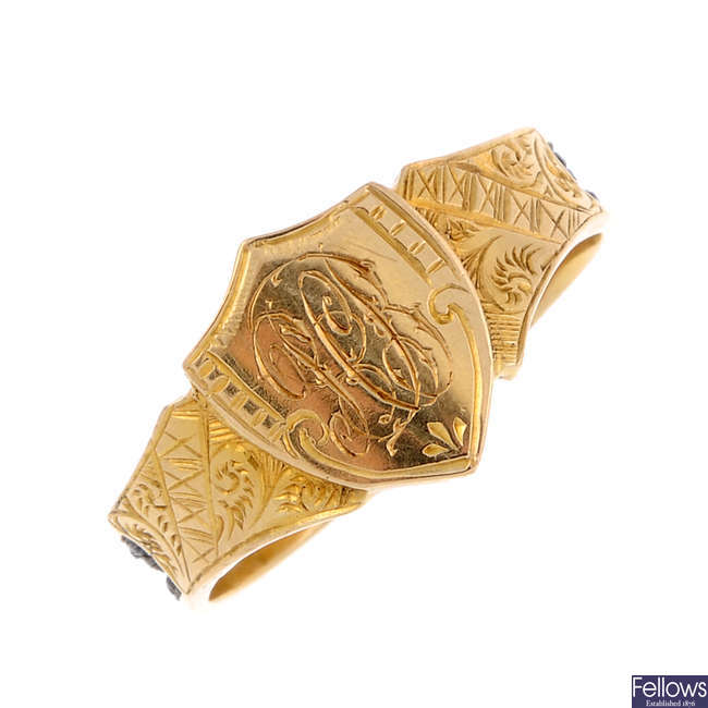 An early 20th century 18ct gold memorial ring.