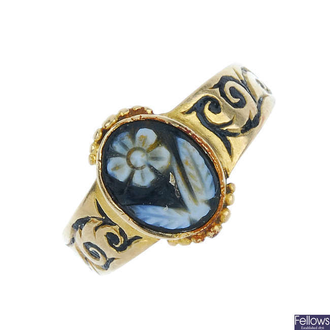 An early 20th century memorial ring.