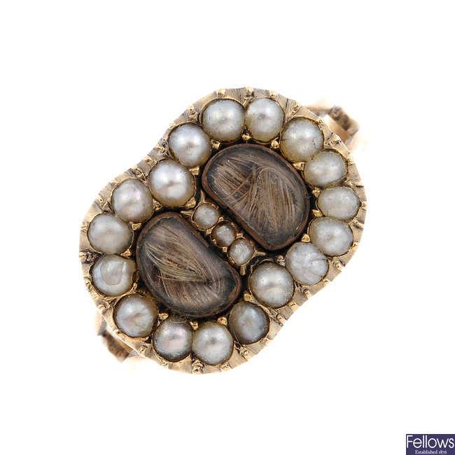A George III gold split pearl memorial ring.