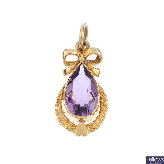 A 9ct gold amethyst pendant.