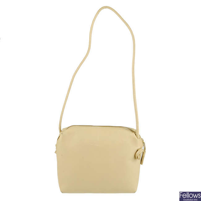 BOTTEGA VENETA - a small vintage beige handbag.