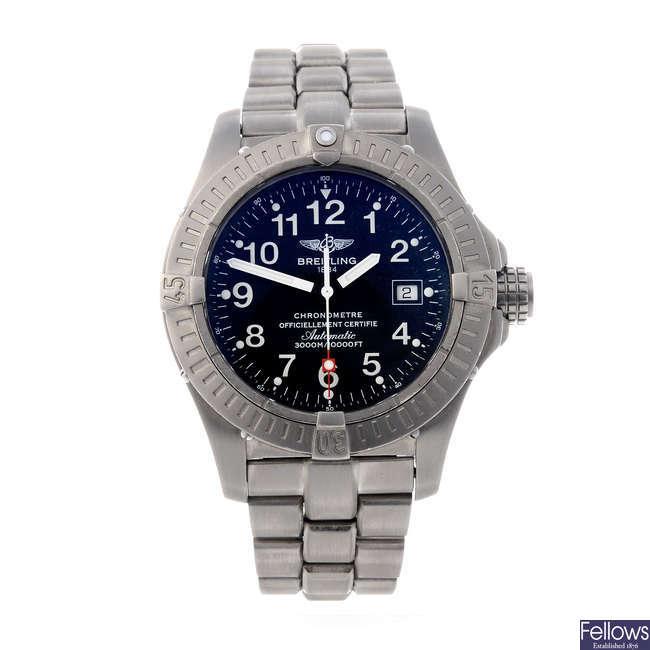 BREITLING - a gentleman's titanium Avenger Seawolf bracelet watch.
